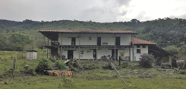La Universidad Industrial De Santander (UIS), Documentará Especímenes Avifaunisticas De Santander En La Reserva Cachalú De Fundación Natura