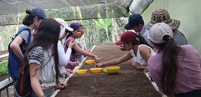 Estudiantes De La Universidad Javeriana Realizaron Práctica En El Centro De Investigación De Bosque Seco Tropical
