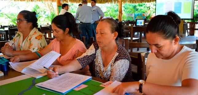 Mujeres Campesinas, Foco De La Agricultura Climáticamente Inteligente