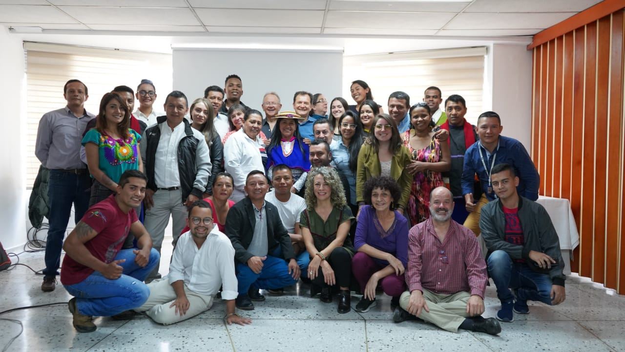 La Comunicación Como Herramienta Para Fortalecer Las Iniciativas De Paz En Colombia