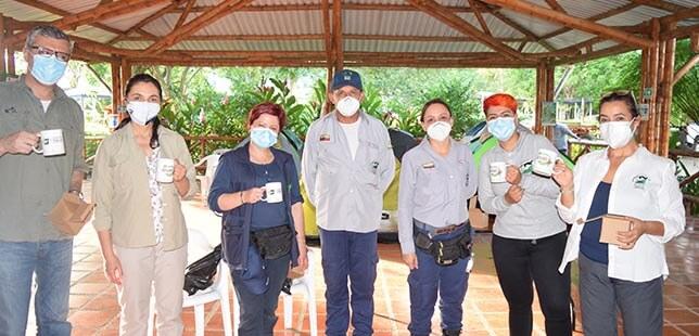 Visita De Directivas De Fundación Natura Al Plan De Restauración Ecológica De Bosque Seco Tropical