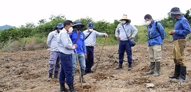"""Delegados De """"Agua Para Todos"""" Aprenden De Experiencia En Restauración Del Centro De Investigación De Bosque Seco Tropical Central Hidroeléctrica El Quimbo"""